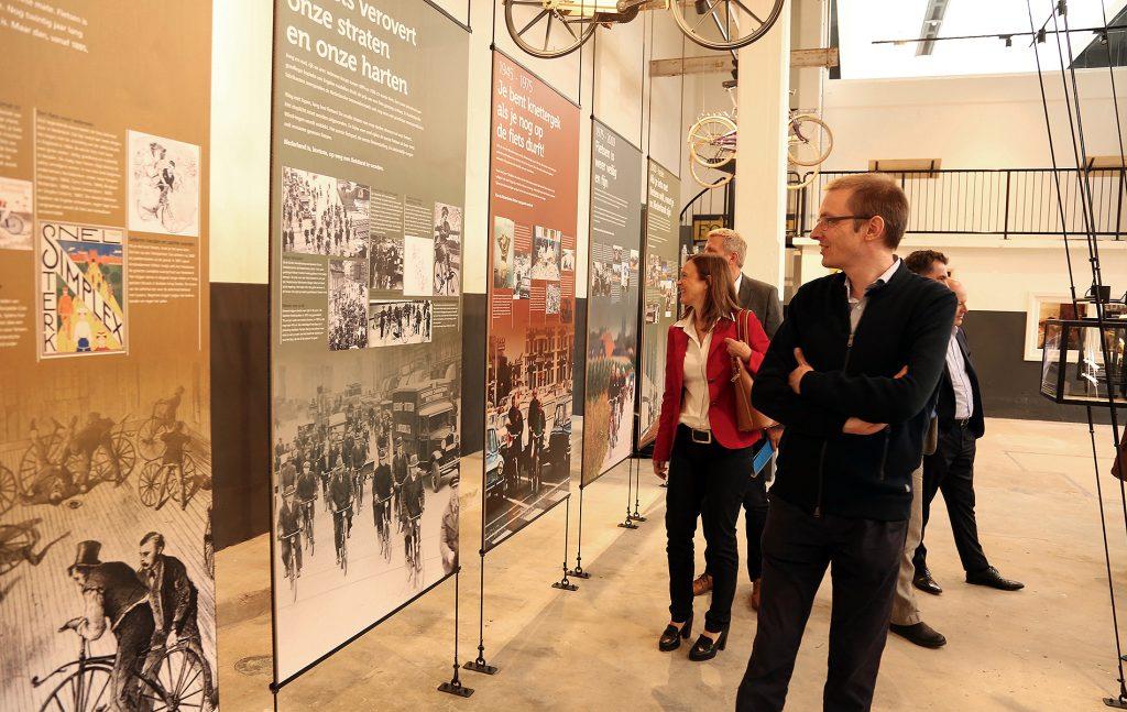 Historie van fietsen museum